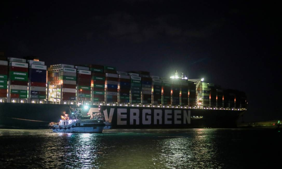 A scene shows the stranded container ship Ever Dado, one of the world's largest container ships, after circling the Suez Canal, Egypt Photo: Mohamed Abd Al Ghani / Reuters