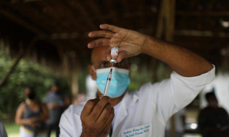 Vacinação contra Covid-19 em Magé, Rio de Janeiro