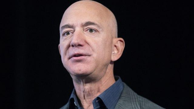 "Defa Bezos' new ""toy""?  - B92"