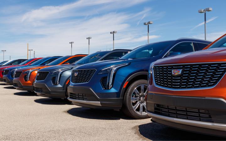 CEO General Motors Мэри Барра допустила, что автоконцерн начнет принимать платежи впервой криптовалюте при наличии запроса состороны клиентов.