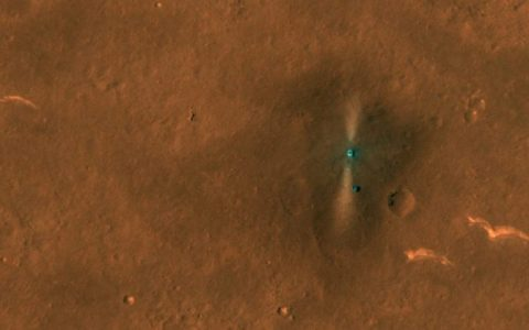 NASA camera records pictures of Chinese rover on Mars