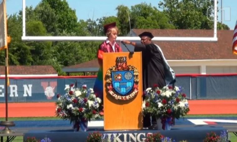 Student's graduation speech interrupted while talking about being LGBTQIA+ in America;  Watch Video |  world