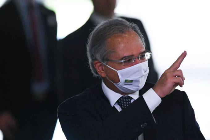 Paulo Guedes is tied to Disneyland