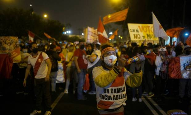 As of Wednesday night, with 99.1% of the minutes count, Castillo has 50.2% of valid votes, against Keiko Fujimori's 49.8%, a difference of 71,441 votes and, for some analysts and Castillo is irreplaceable. Photo: Alessandro CINQUE / Reuters