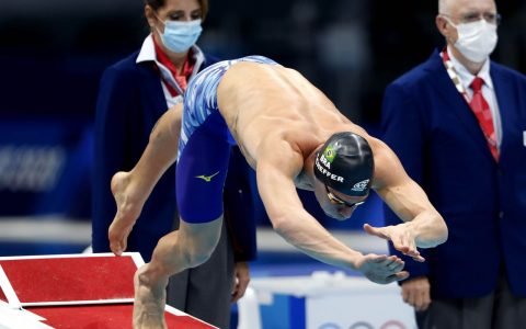 Fernando Schaefer reaches the final of the 200m freestyle in Tokyo