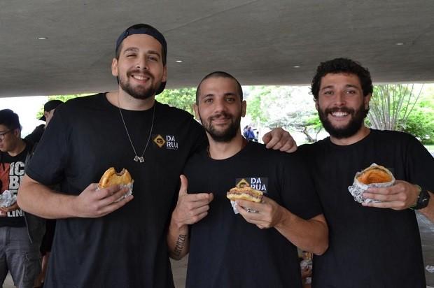 Antonio Alves, Victor Miranda and Rafael Fernandes, founders of Burger da Rua (Photo: Disclosure)
