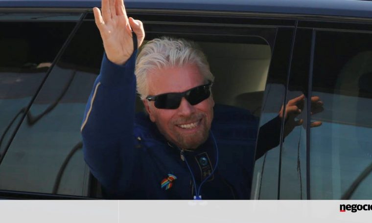 Richard Branson returns from space trip on Virgin Galactic spaceship