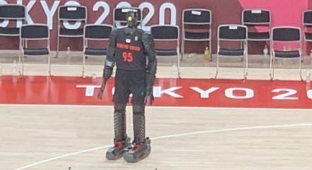 Towards the NBA?  Basket Robot is Basketball Attraction at the Olympics - Prisma