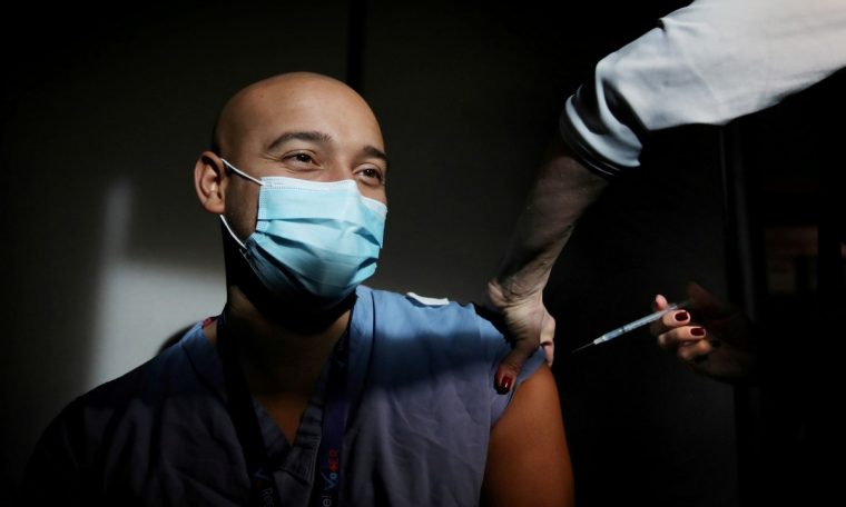 US companies begin demanding COVID vaccination for their employees;  View List |  Economy