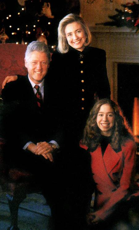 Bill Clinton, Hillary Clinton and Chelsea Clinton at Christmas 1997 Photo: Archive/White House