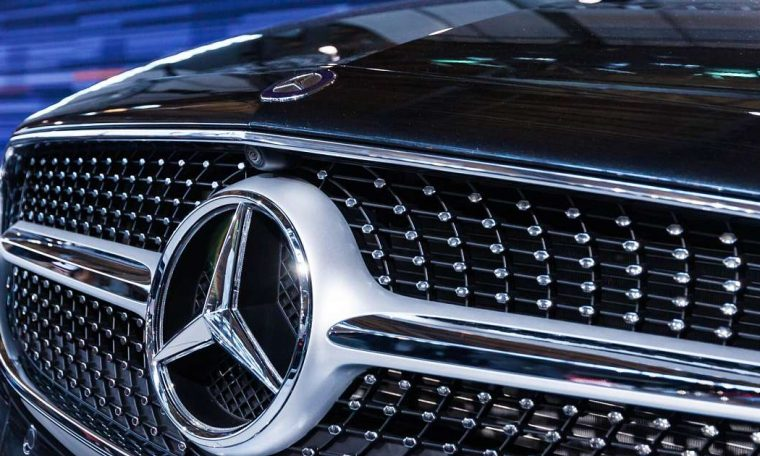 What are the things to keep in mind while buying a Mercedes Benz car?