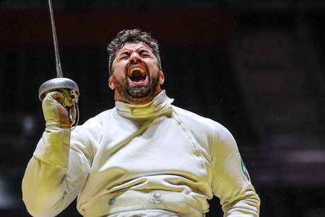 Jovain Guisson won the silver medal in fencing