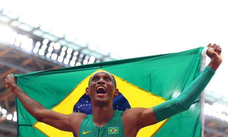 """Alison trained with Joaquim Cruz in America and received advice: """"If you want to make history, start early"""".  olympics"""