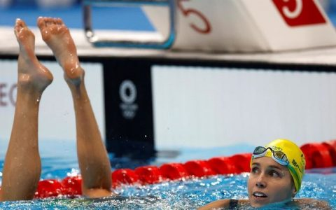 Australian swimmer sets record with 7 Olympic medals