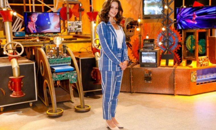 Bianca Rinaldi plays Iris Abravanel in webseries TV News