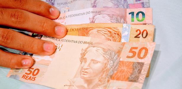 Commission approves limit on use of cash