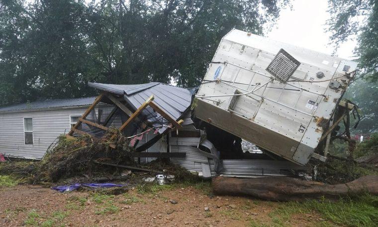 Flood kills 22 in Tennessee |  World