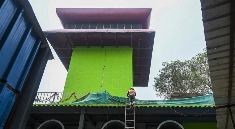 India opens $2 million air purification tower