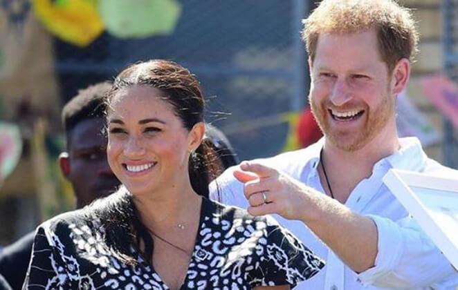 Príncipe Harry e Meghan Markle sorridentes