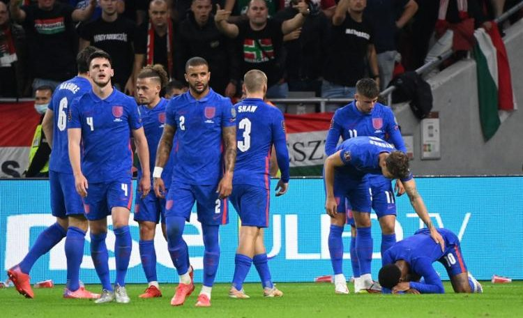 The English players were also criticized by most of the 60,000 Hungarian fans for taking a knee to condemn racism - Photo: Attilakisbenedek    AFP