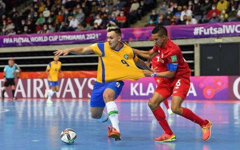 Brasil consegue vitória e a classificação para as oitavas de final