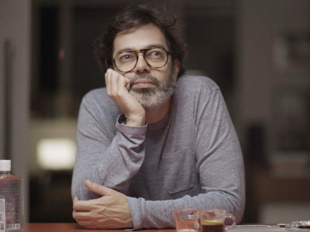 Bruno Mazeo in the Comedy Diario de Um Confinado