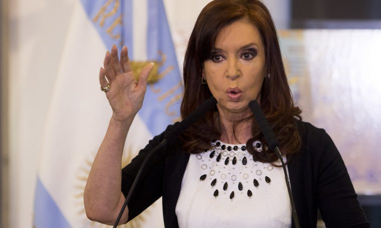 """In an open letter, Christina Kirchner urged the President of Argentina to """"respect his word"""".  World"""