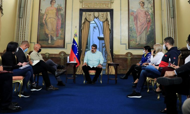 The Venezuelan opposition and government discussed the election in Mexico on the resumption of talks.  World