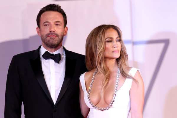 Jennifer Lopez and Ben Affleck on the red carpet of period drama The Last Duel (2021) at the 2021 Venice Film Festival (Photo: Getty Images)