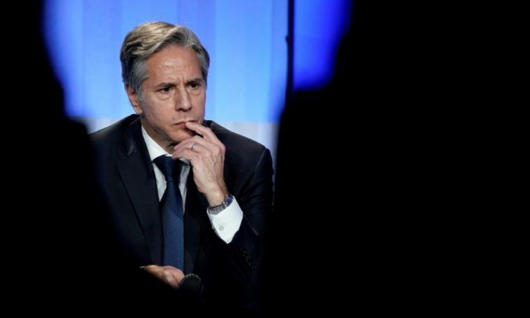 Presidente francês recebe chefe da diplomacia dos EUA após crise dos submarinos