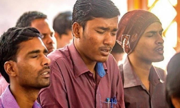 Pastor and two Christians arrested for distributing Bibles in India