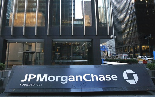 Advice on mergers and acquisitions and cut provisions boost JP Morgan's profits - poca Negócios