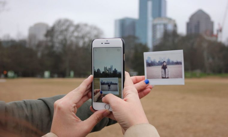 4 Apps for Scanning Photos by Phone