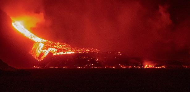 Lava destroys Surfers Beach