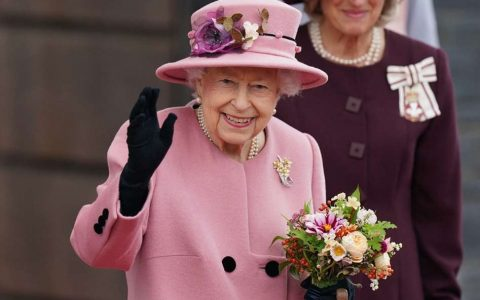 Queen Elizabeth Wants Cleaners for Buckingham Palace;  Salary is R$ 14 thousand - World